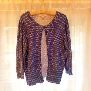Classy and unique cardigan, blue and white pattern